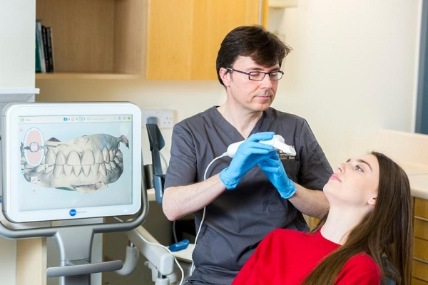 چگونه بریسها دندانها را صاف میکنند؟